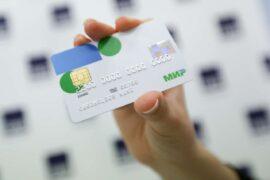 ЦБ проработает возможность расчетов в долларах и евро по картам «Мир»