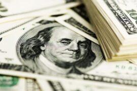 Минфин вывел из ФНБ доллары США